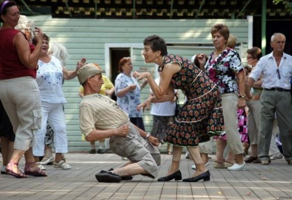 Они могут танцевать так как будто в