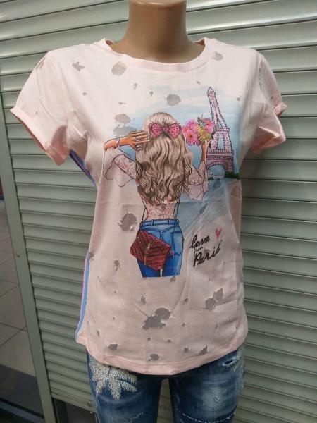 Какие футболки не стоит одевать женщинам за 40
