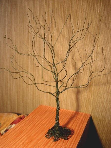 Семейное дерево из веток