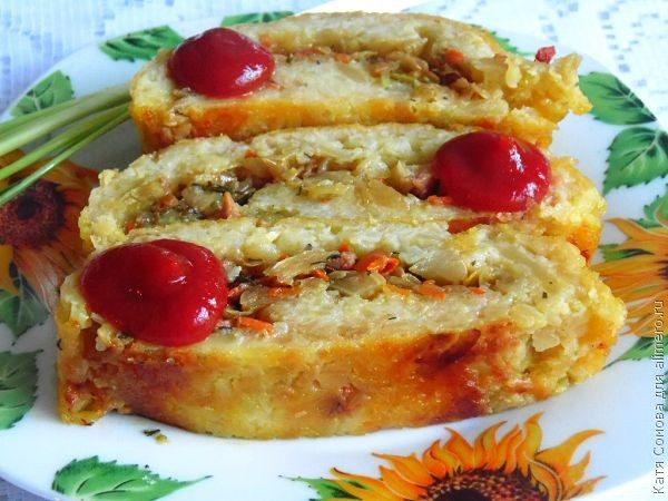 Картофельный рулет с капустой