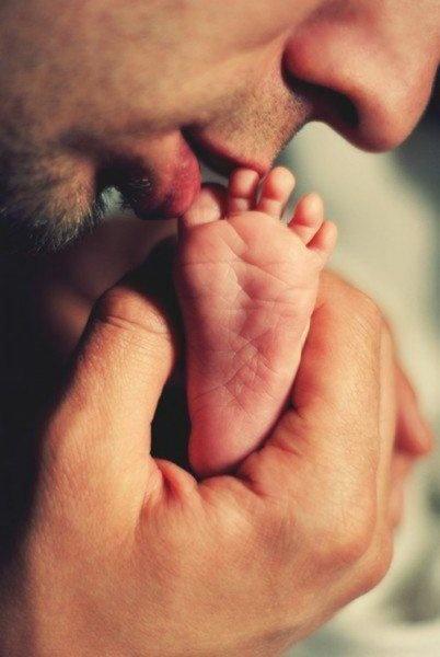 Целуют ножки фото