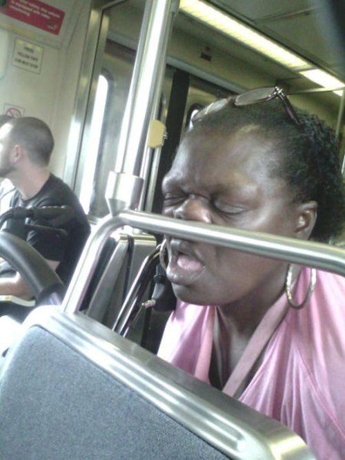 Приставание и трах в общественном транспорте 7 фотография