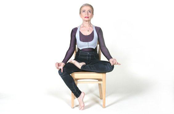 Йога на стуле