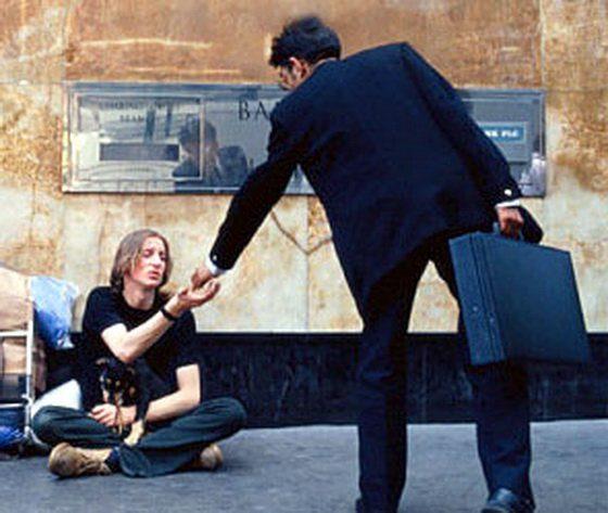 Почему одни живут богато а другие бедно