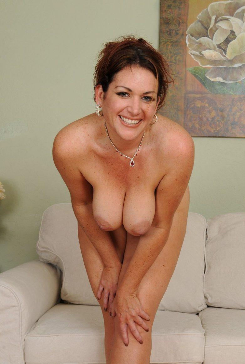 Дама в годах голая фото