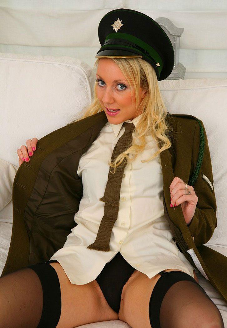 эротика в униформе