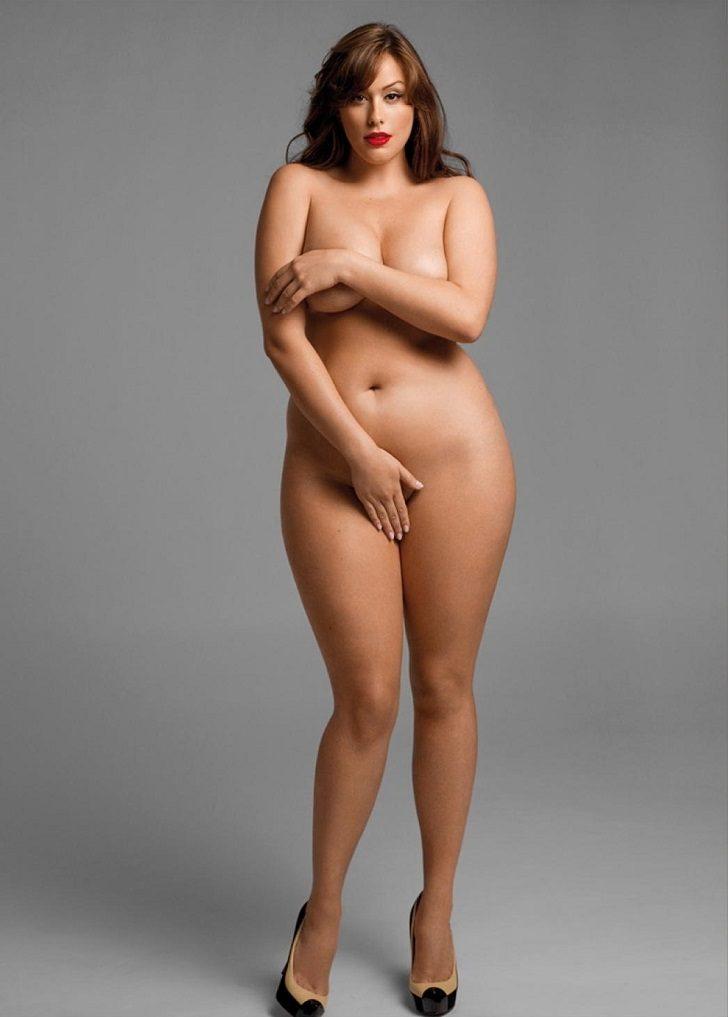Фото голых женщин плюс
