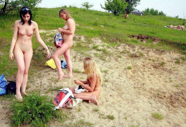 нудистки мать с сыном на природе голышом № 69692