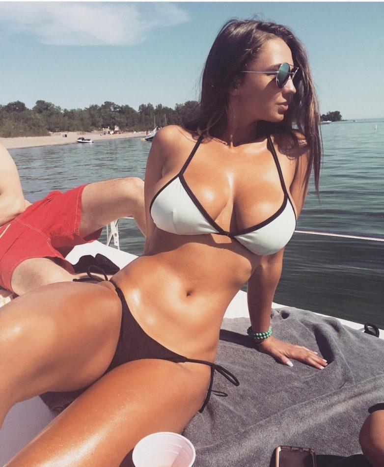 Фото секси девушки в бикини