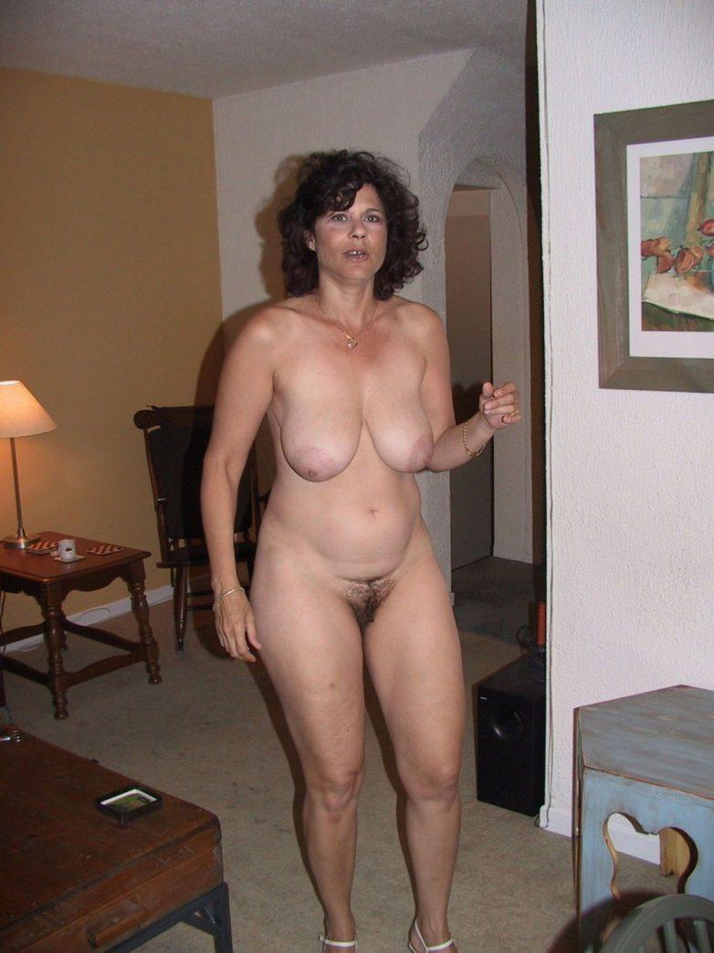 Зрелые голые бабы парижа фото