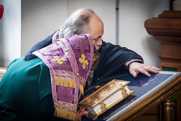 Молитва из сухого сердца еще дороже для Бога