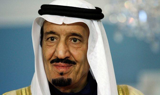Король Саудовской Аравии раздал гражданам  млрд