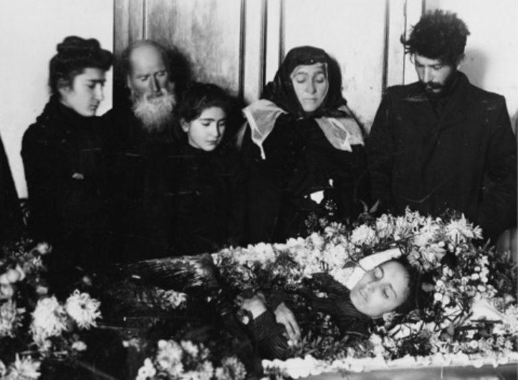 фото похороны фредди меркури