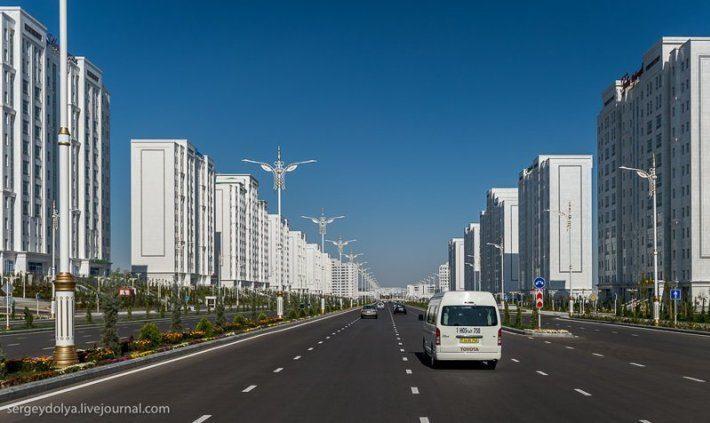 Страна контрастов: блеск и нищета Туркменистана