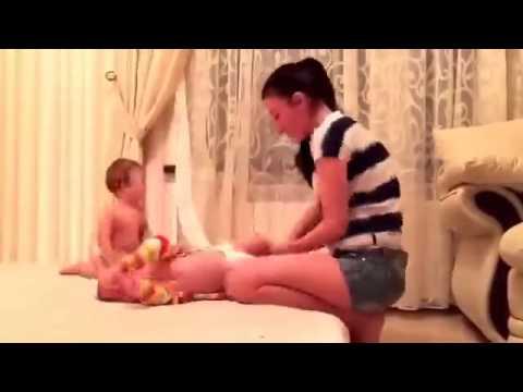 zhenshina-tantsuet-striptiz