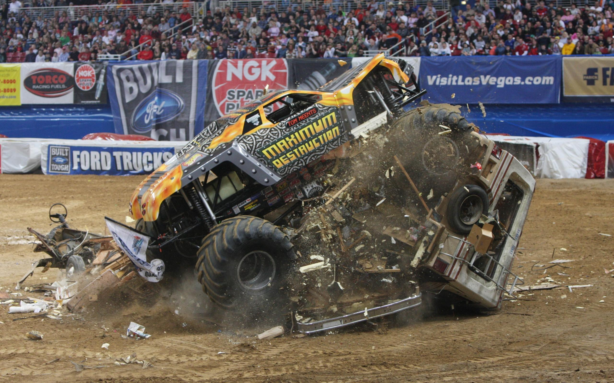 Monster trucks videos crashes