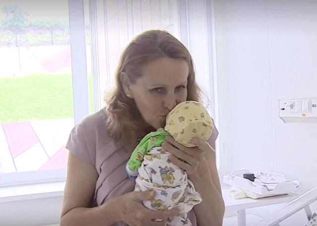 Женщина из Владивостока, которая родила тройню в 51 год