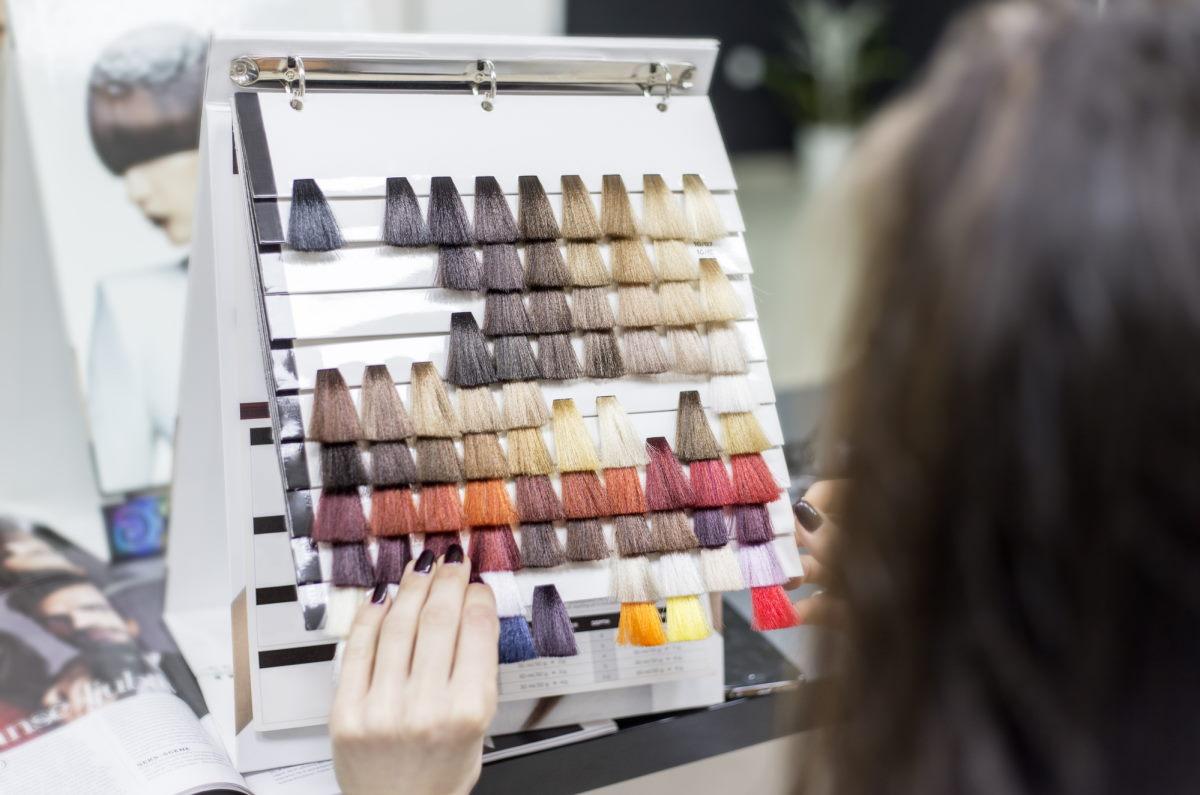 Почему нужно выбирать натуральные оттенки краски для волос