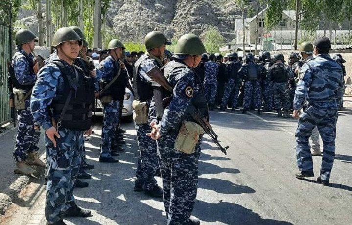 Из-за чего возник военный конфликт на границе Киргизии и Таджикистана?