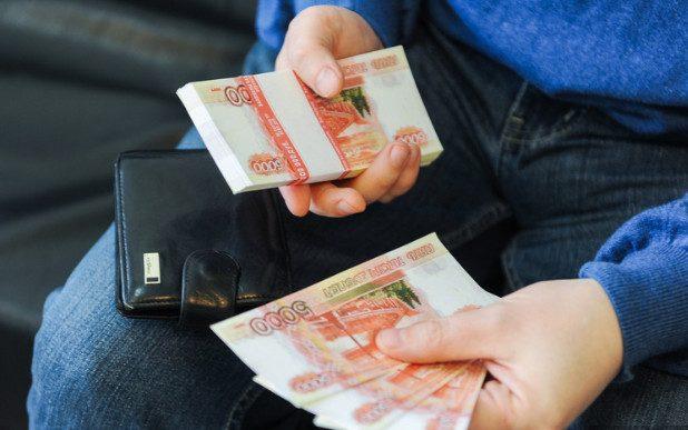 Среди россиян, вакцинировавшихся от COVID-19, разыграют по 100 тысяч рублей