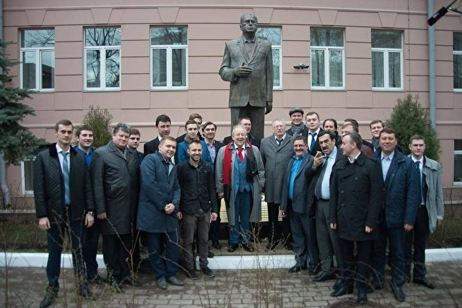 После выборов Жириновский попросил у Мишустина здание для института ЛДПР за ₽1 млрд
