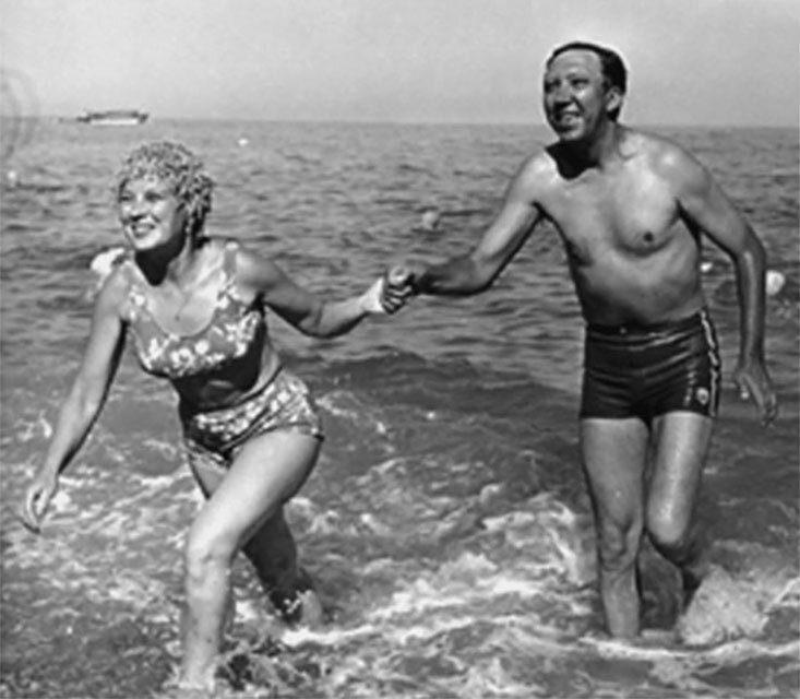 Татьяна и Юрий Никулины, Крым, 1966 год