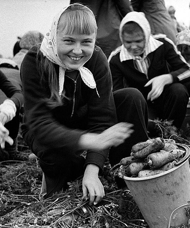 Эмоциональные кадры из нашей советской жизни