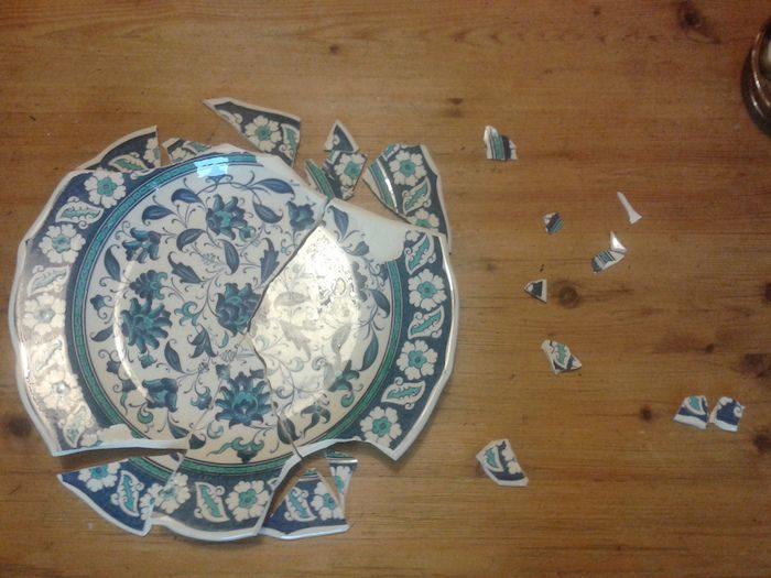 сочные картинки осколки посуды помнить, что