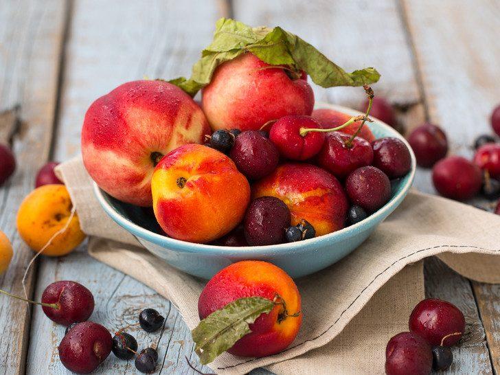 Как правильно хранить фрукты и ягоды дома