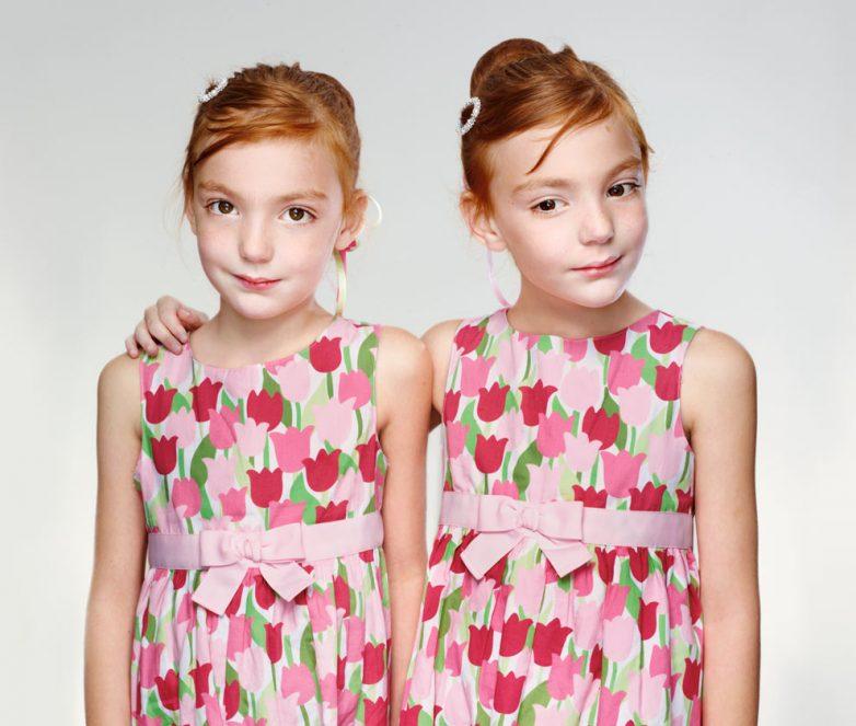 Картинки близнецов в стиле микроконтраст