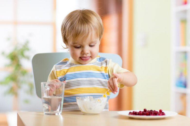 8 полезных продуктов для развития мозга ребенка