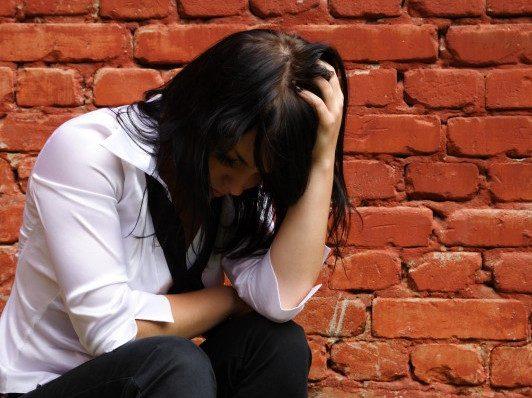 Почему стрессы и проблемы мешают забеременеть?