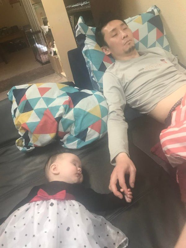 Дети, которые могут уснуть в любом месте и в любой позе!