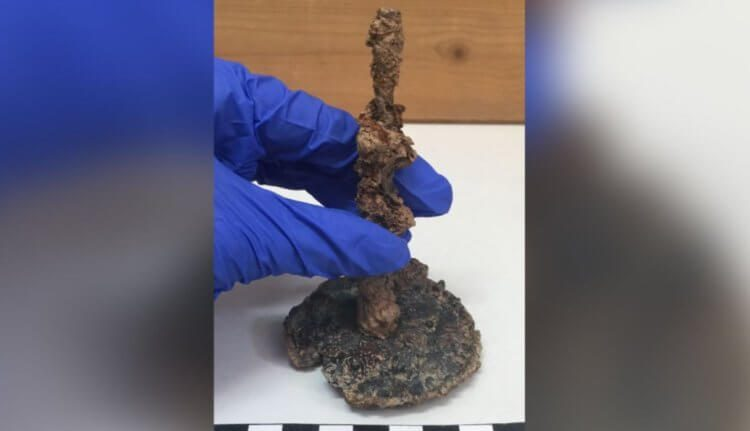 В Афинах археологи обнаружили «проклятый» кувшин