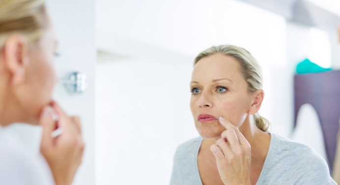 Признаки нехватки витаминов, которые проявляются на лице