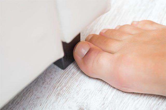 Почему нельзя игнорировать ушиб пальца на ноге