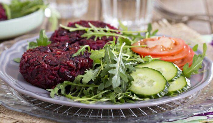 5 бюджетных блюд из свёклы