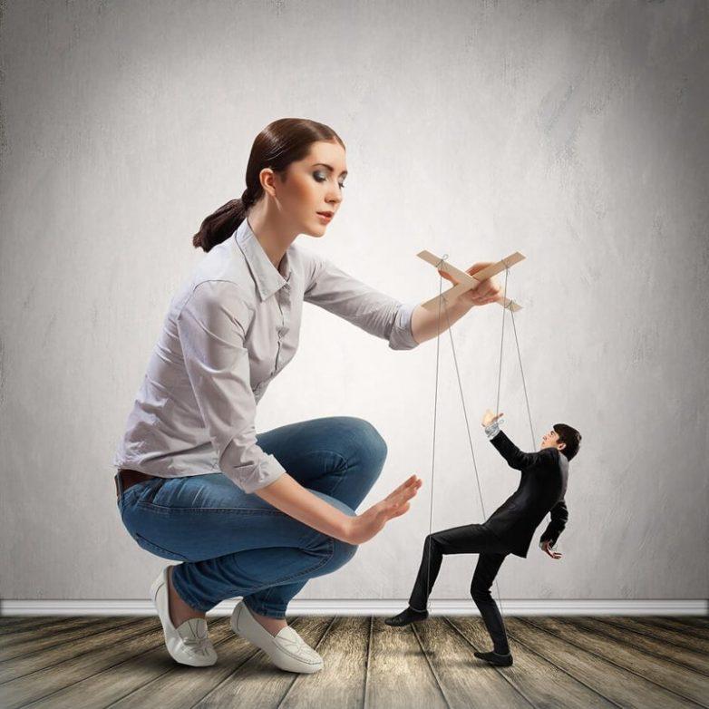9 приёмов манипуляции, которые позволят вам избежать лишних трат и даже разбогатеть