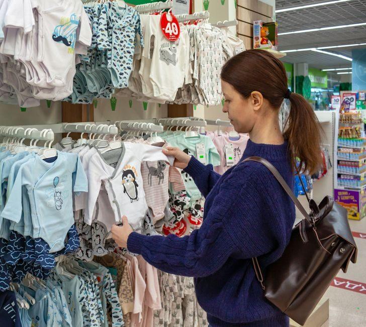 Деньги на ветер: 10 бесполезных вещей, которые покупают беременные