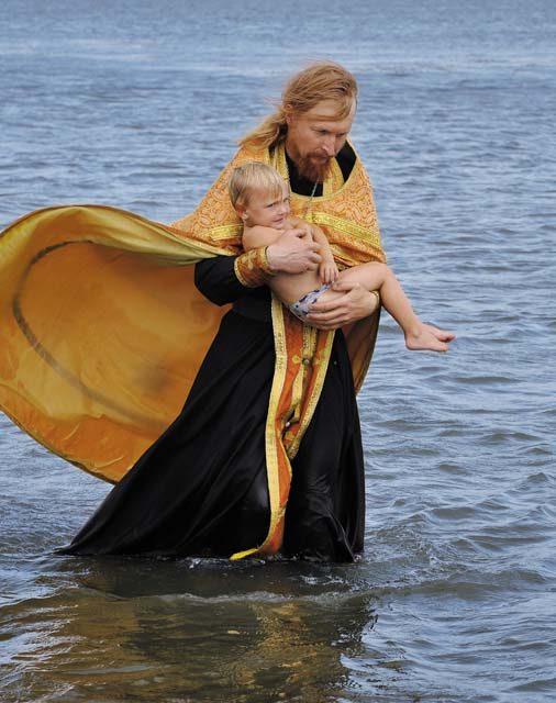 Крещение — отжившая традиция или необходимость?