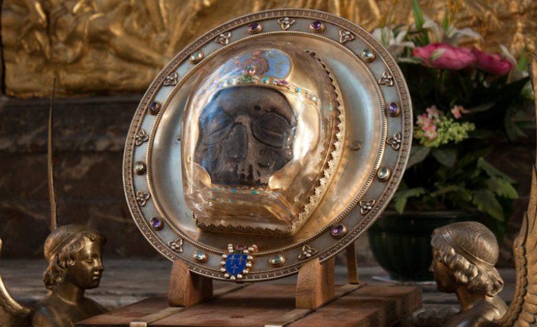 Где хранится настоящая голова Иоанна Предтечи?