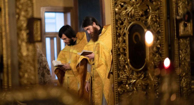 Священник — посредник между человеком и Богом?