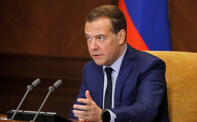 Медведев заявил о недостаточных темпах вакцинации