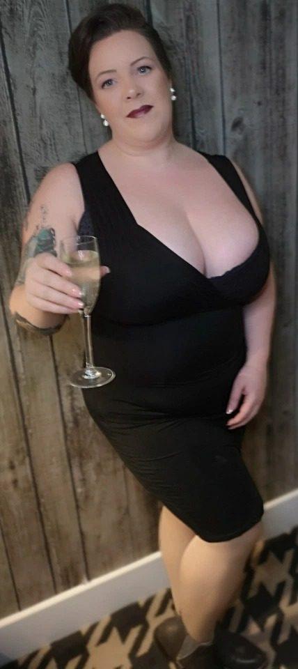 Когда у женщины большая грудь