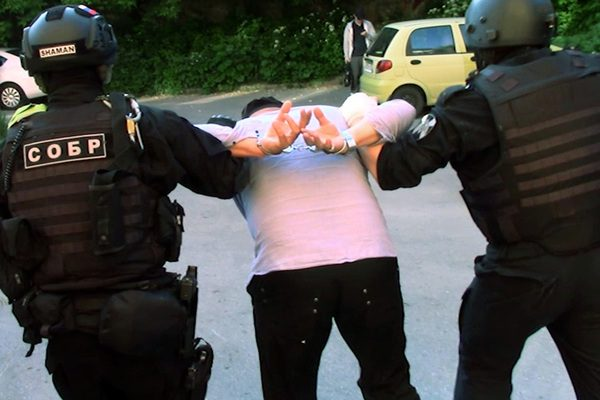 Почему хотят посадить в тюрьму полицейского, раскрывшего резонансные дела?