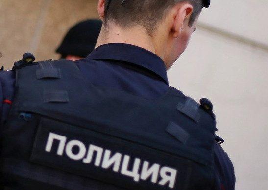 Полицейский похитил знакомого из-за долга и держал его в подвале