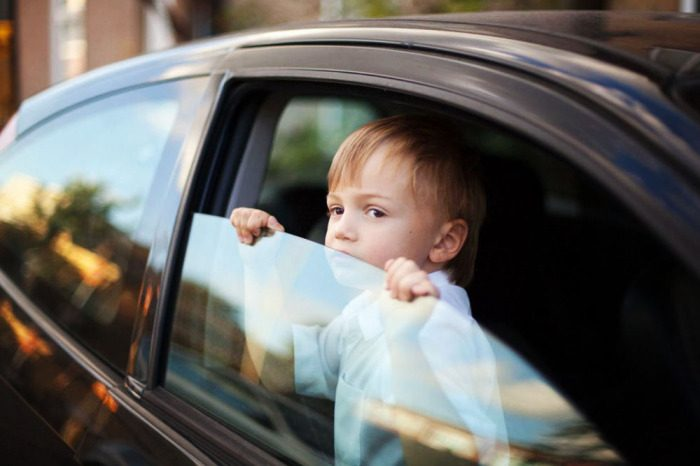5 самых частых уловок недобросовестных инспекторов ДПС для водителей с детьми
