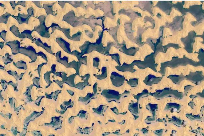 Как в пустыне Омана образовались озёра