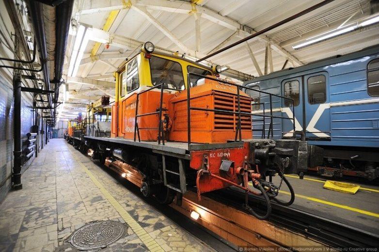 Ночная жизнь московского метро
