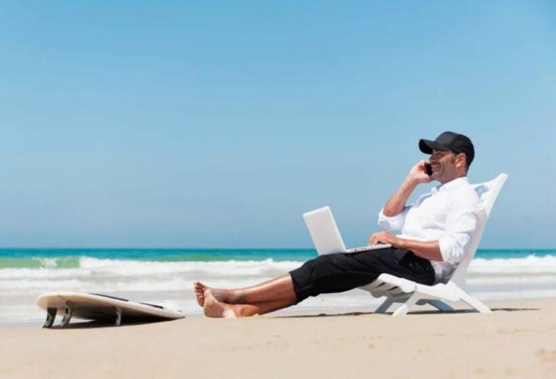 Работа мечты: 4 профессии на тропических островах для иностранцев